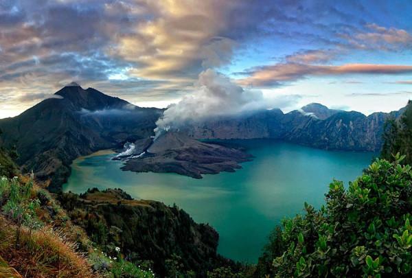 Gunung-Rinjani-Lombok-600x405